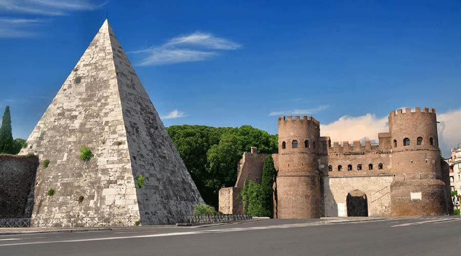 La  Piramide Cestia di Roma torna a nuova vita